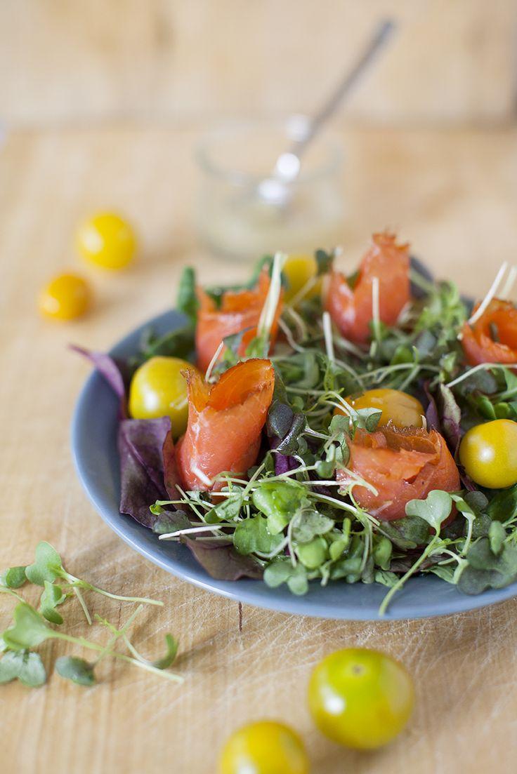 Enkel sallad med fisk: http://martha.fi/sv/radgivning/recept/view-93381-4676
