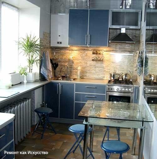 Как зрительно увеличить маленькую кухню: 5 простых советов  Все мы привыкли к своим маленьким кухнях в многоэтажках. Но нас не оставляет надежда, что есть какой-то вариант дизайна для наших крошек, который позволит зрительно расширить пространство без ущерба функциональности и вместительности кухни. Перед нами кухня меньше 7 кв.м, которая смотрится достаточно большой не только за счет продуманного дизайна, но и за счет небольшой перепланировки.  Какие дизайнерские приемы помогли зрительно…