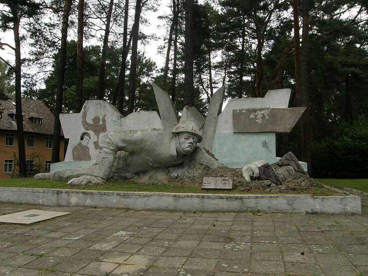 Kęszyca Leśna - pomnik łącznościowca