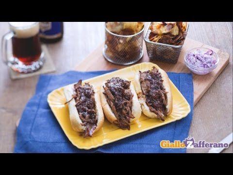 Sandwich di manzo e insalata di cavolo con patate croccanti - YouTube