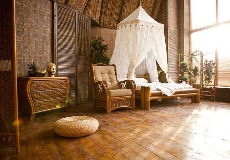 Cross+Studio Зал Луч - тропическое бунгало, пальмы и настоящий океанский песок, огромная бамбуковая кровать с балдахином, а также огромные окна на солнечной стороне.