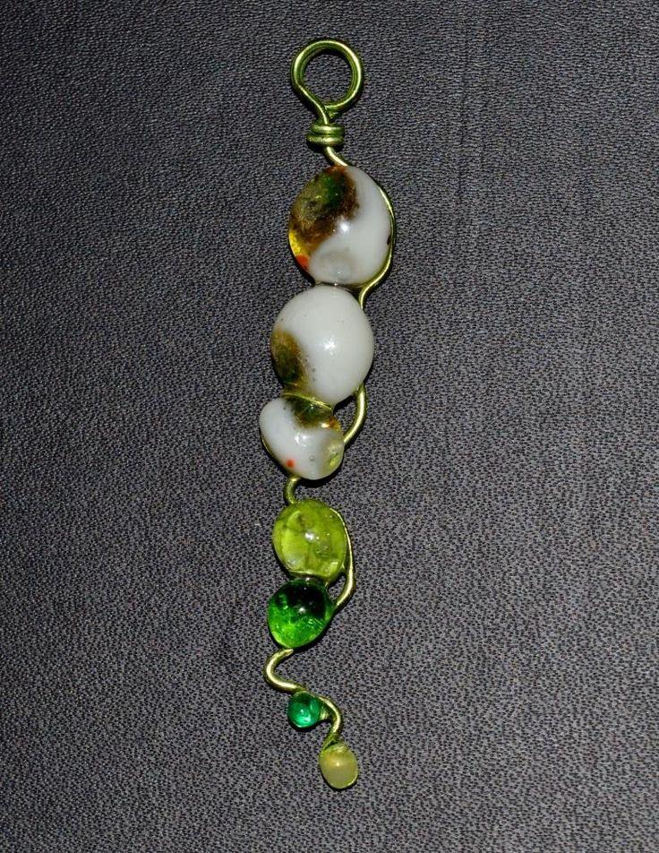 Diseñamos piezas exclusivas a mano. Damos forma a cada vidrio proporcionando color con nuestras técnicas.