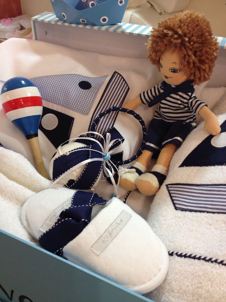Κουδούνα & ξύλινο παιχνιδάκι, πετσέτα-σεντονάκι με βαρκάκι για το ναύτη Κωνσταντίνο! by Nikolas Ker