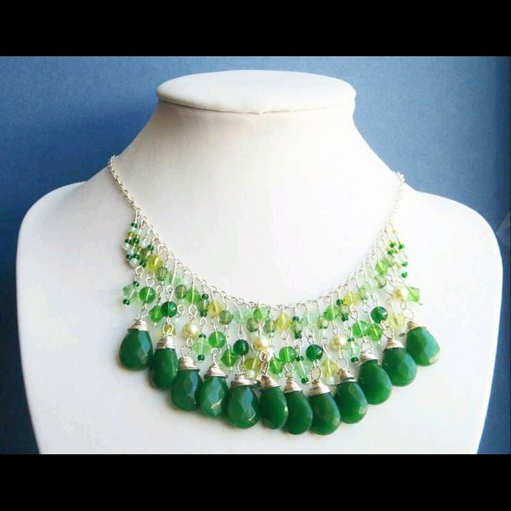 Statement necklace with briolettes