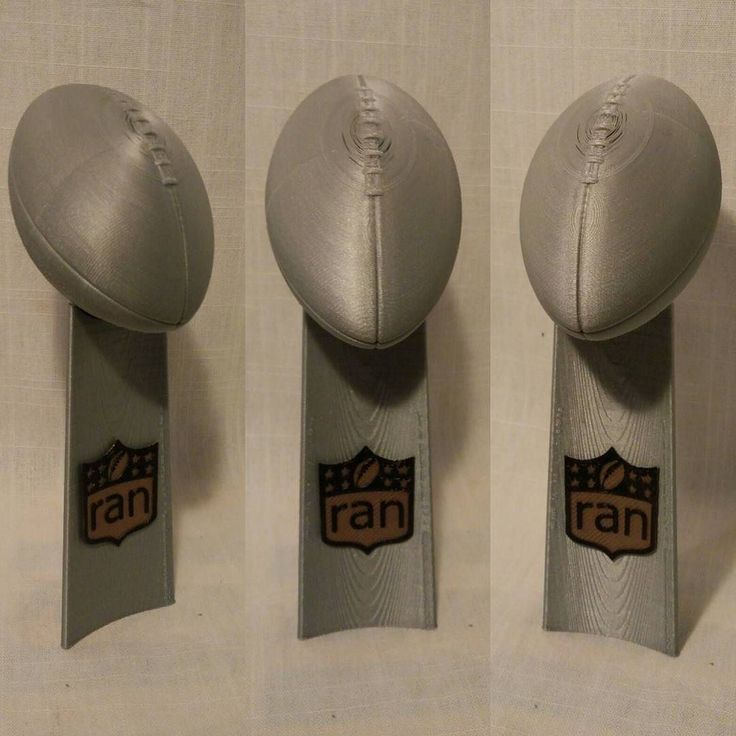 3D printed Vince Lombardi Trophy in a special #ran Edition!  Die Vince Lombardi Trophy mit dem 3D Drucker selbst gedruckt! Natürlich in der #ran Edition! #rannfl #rannflsüchtig  @ransport @icke41  #vince #lombardi #thropy #nfl #vincelombardi #3dprint #3dprinted #3dprinting #costumized #silver #football #superbowl #carolinapanthers #denverbroncos #awesome #picoftheday #pictureoftheday by 3dprintgermany