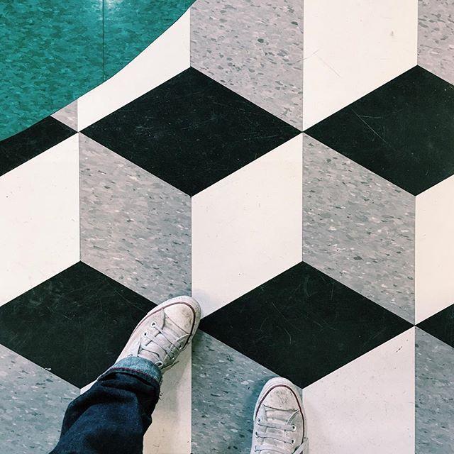 Best 25+ Vct flooring ideas on Pinterest | Vct tile ...