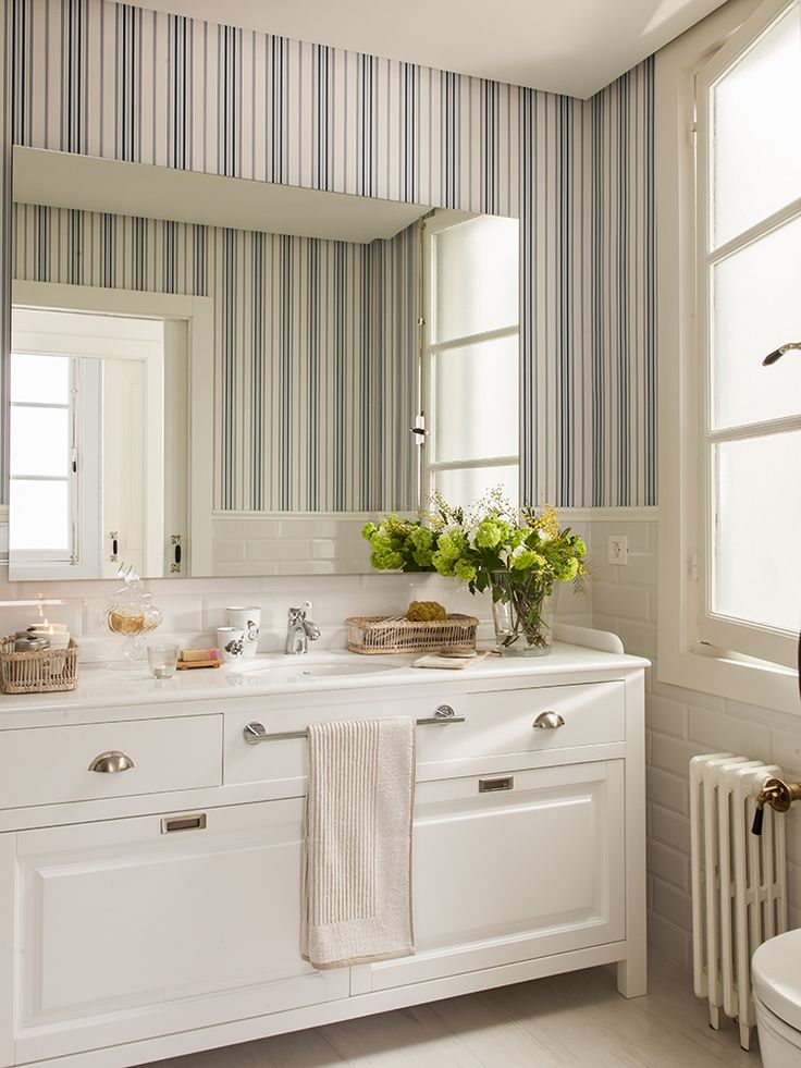 662 best images about bathroom ba os on pinterest - Papel pintado para banos ...