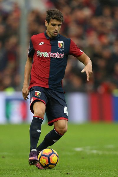 Miguel Veloso of Genoa CFC in action during the Serie A match between Genoa CFC and Udinese Calcio at Stadio Luigi Ferraris on November 6, 2016 in Genoa, Italy.