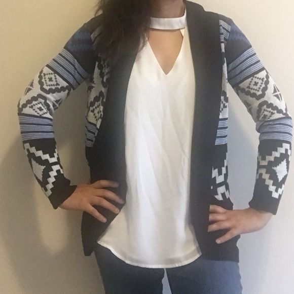 Aztec print cardigan Like new Tops Blouses