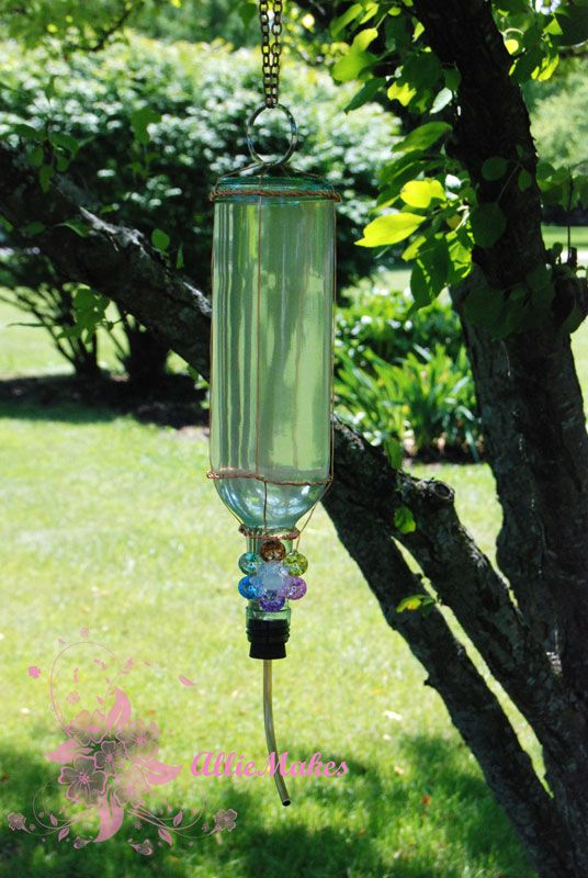 Wine Bottle Hummingbird FeederCrafts Ideas, Bottle Hummingbirds, Crafty, Outdoor, Gardens, Hummingbirds Feeders, Wine Bottles, Diy Hummingbirds, Winebottle
