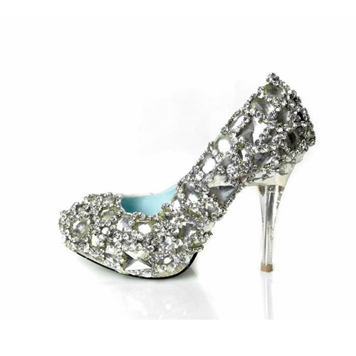 Wedding shoe... I want these for my wedding! :)