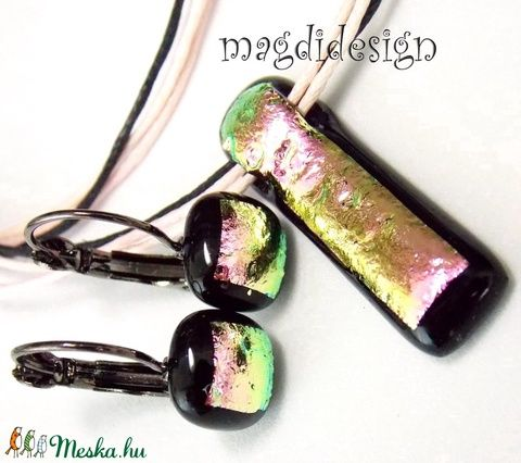 Rózsaszín-fekete pezsgő üvegékszer szett, nyaklánc, kapcsos fülbevaló (magdidesign) - Meska.hu