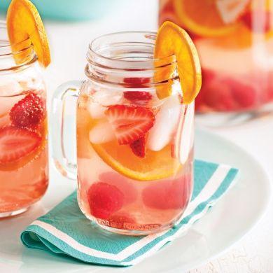 Sangria rosée - Recettes - Cuisine et nutrition - Pratico Pratique