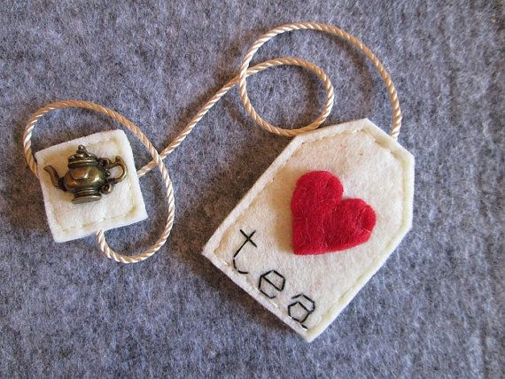 Bookmark tea bag made of felt with red heart and by TinyFeltHeart