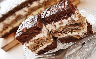 rondel: Ciasto z wafelkową przekładką
