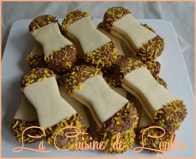 Ingrédients pour une quarantaine de biscuits: - 300g de farine - 300g de…