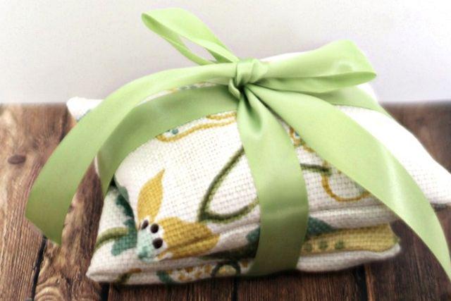 25 Fabulous Handmade Gift Ideas - livelaughrowe.com