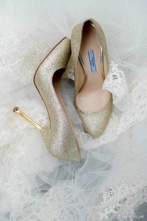 Sapato de noiva luxo! Esse é Prada. Foto: Rejane Wolff