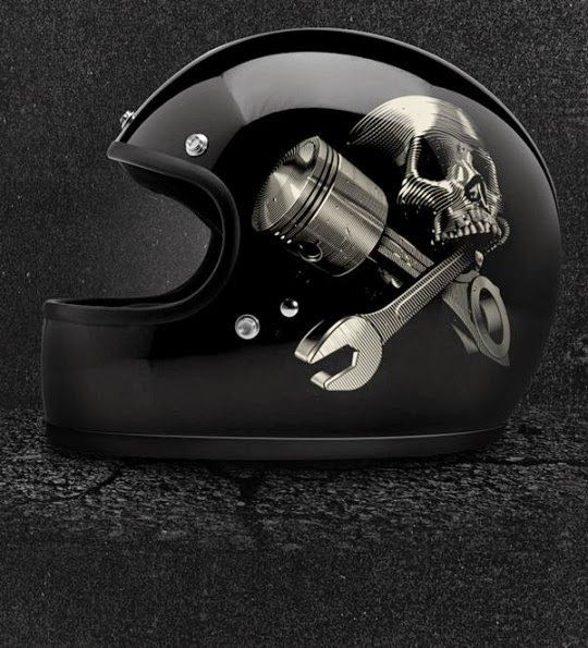 A&M Alex & Marine helmet