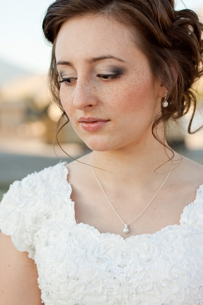 Beautiful eye shaddow. Lora Grady photography.Grady Photography, Eye Shaddow, Lora Grady, Modest Brides, White Dresses, Beautiful Eye, Pretty Neckline