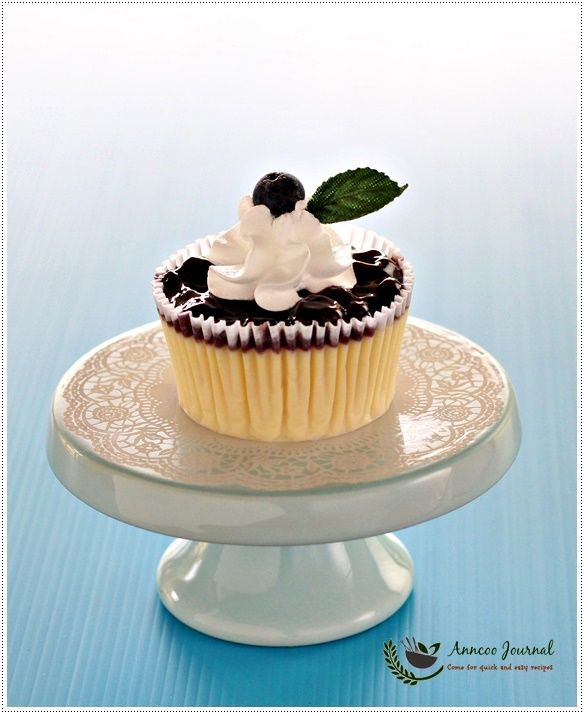 Mini Blueberry Cheese Cupcakes 迷你蓝莓芝士杯子蛋糕 | Anncoo Journal - Come for Quick and Easy Recipes