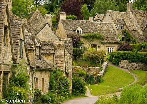 Bibury+-+Resting+on+the+Coln+River,+Bibury+is+noted+as+England's+Britain's+most+beautiful+village+by+some.
