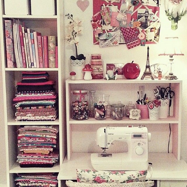 Instagram fan @gipsylovescandyapples has a very neat and tidy way to store fabrics.