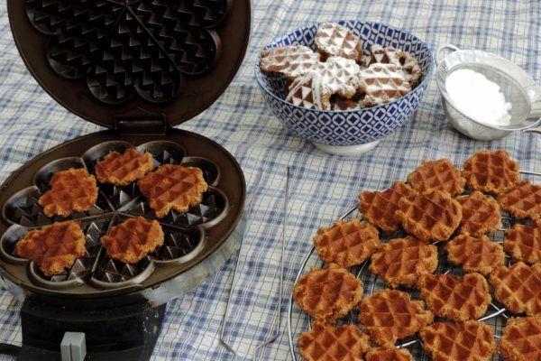 Niet alleen een top recept om speculaas wafels te bakken. Je vindt er ook tips voor wafels bakken. Hoe ontstaat het verschil tussen harde en zachte wafels?