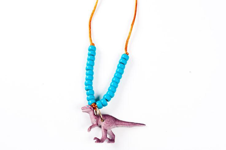 Colar dinossauro