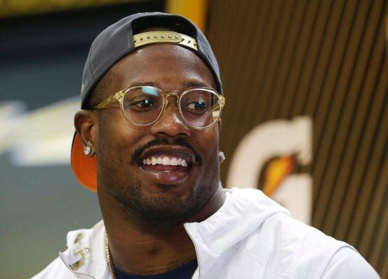 Von Miller fires up Broncos' defense for Super Bowl 50 | Newsday