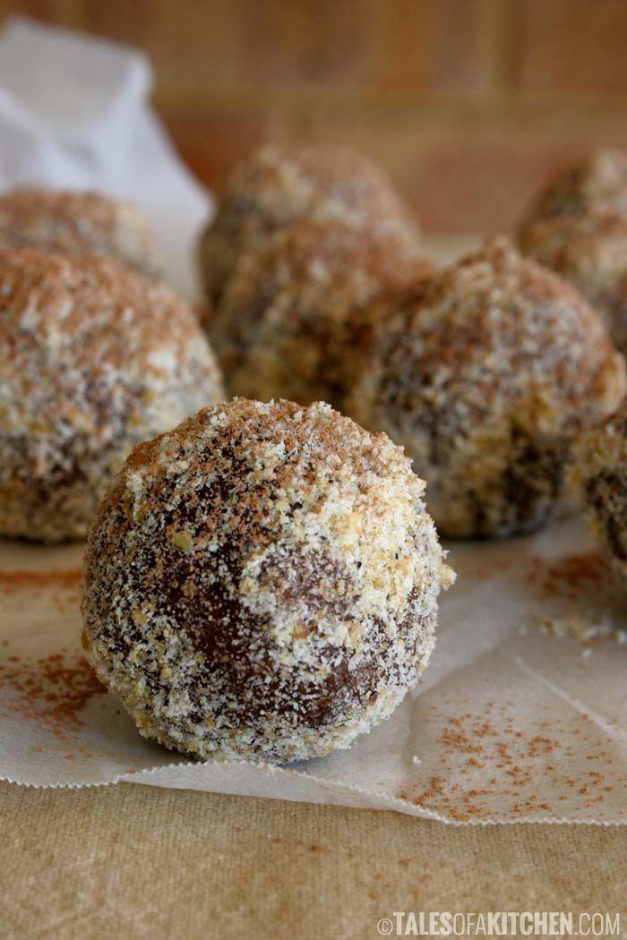 Chocolate orange fudgy balls with macadamia and medjool dates {raw, vegan & healthy}