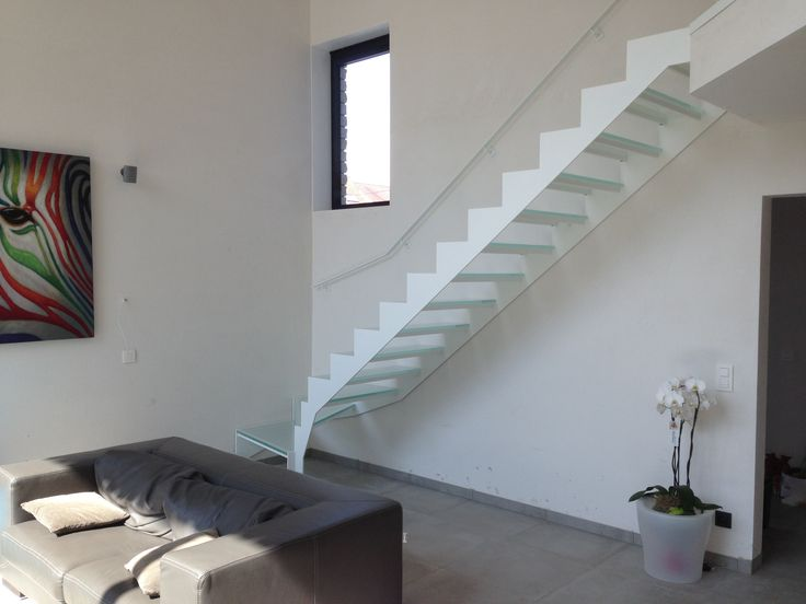 Trap in gelakt staal met glazen treden trappen modern pinterest - Model interieur trap ...