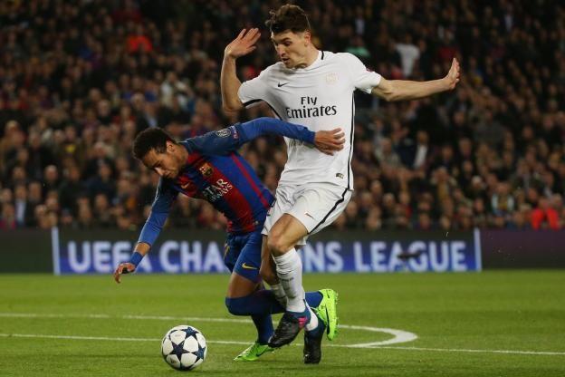 Foot - Ligue des Champions                                                                                                                                                        http://www.lequipe.fr/Football/Actualites/Thomas-meunier-etait-certain-de-la-defaite-face-au-barca/790588#xtor=RSS-1