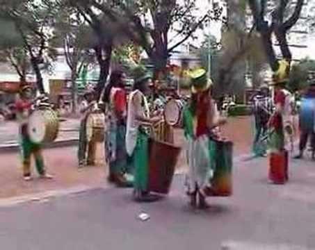 Yo me lo guiso.: Murga Porteña, ritmo del carnaval