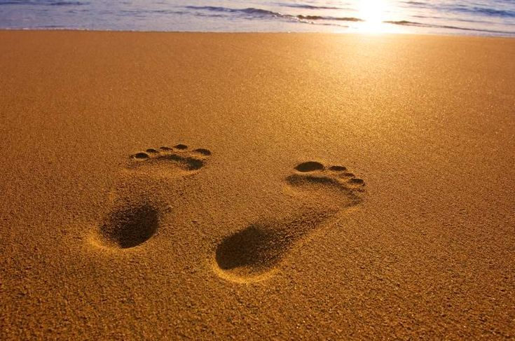 Footprints in the sand | Hands & Feet | Pinterest