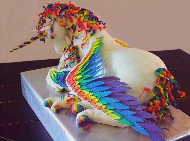 Heel mooie eenhoorn taart...........Very nice unicorn cake