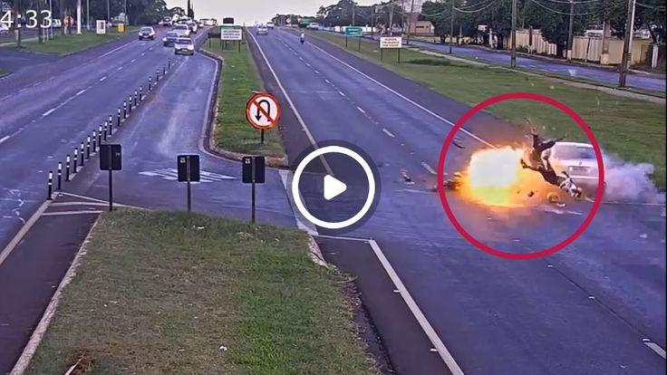 Мотоцикл Взорвался при столкновении В Бразилии