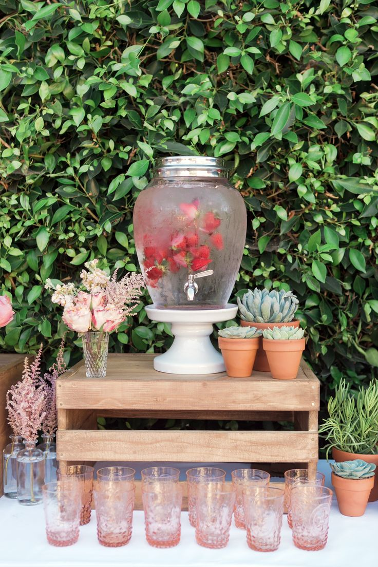 SUMMER BABY SHOWER by TWINK + SIS #drinktable #bar #strawberry #water
