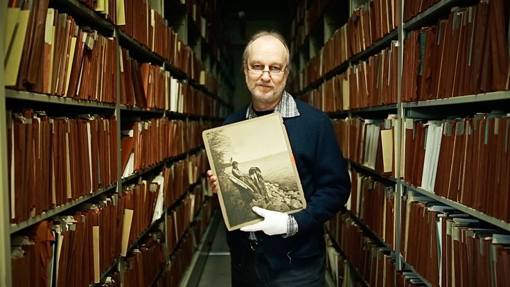 A Fascinating Short Documentary About Bill Bonner, National Geographic's Photo Archivist