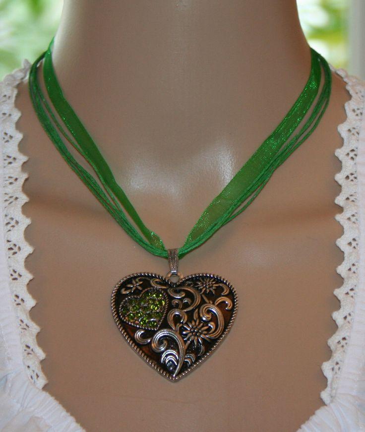 Halskette mit Herz und Edelweiß von Edelweiss51 auf Etsy