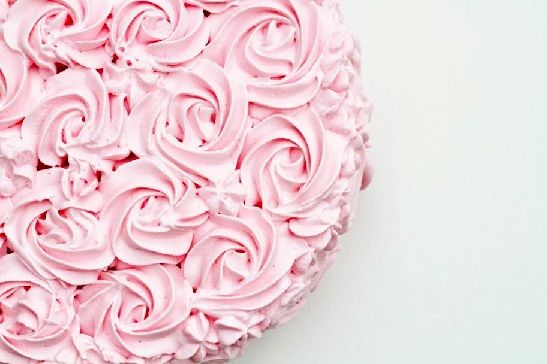 Rose swirl cake made with whipped cream