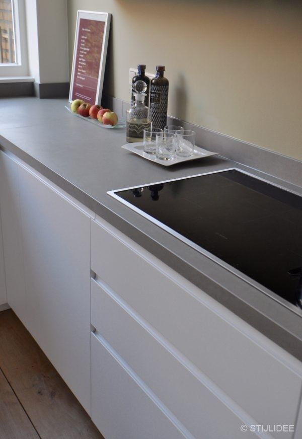 Meer dan 1000 idee n over modern herenhuis op pinterest herenhuizen herenhuis interieur en modern - Keuken wit hout ...