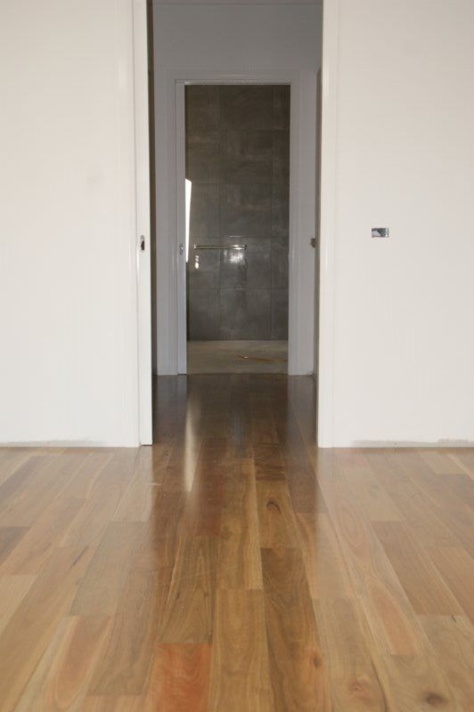 SPOTTED GUM - This showcases the beautiful characteristics of spotted gum