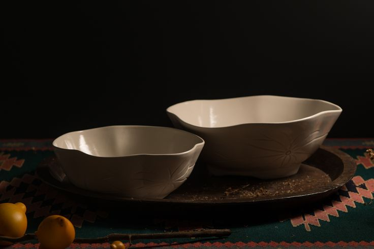 Lotus Salad Bowl RP 390.000 Lotus Serving Bowl RP 540.000 : lotus flower dinnerware - pezcame.com