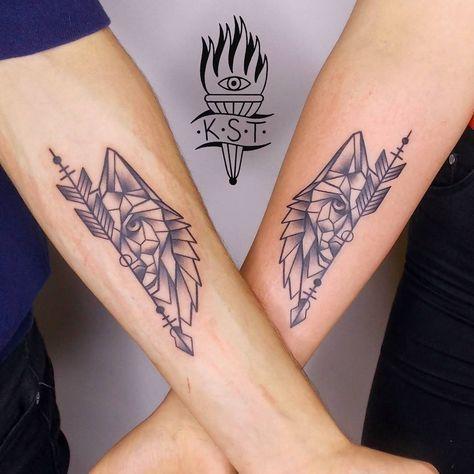 schreib mir einfach … #Tattoos #wolftattoo #geotattoo #geometrictattoo