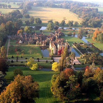 Hever Castle, Kent https://www.pinterest.com/neesy7121/hever-castle-baron-of-astor-british-astor-family/