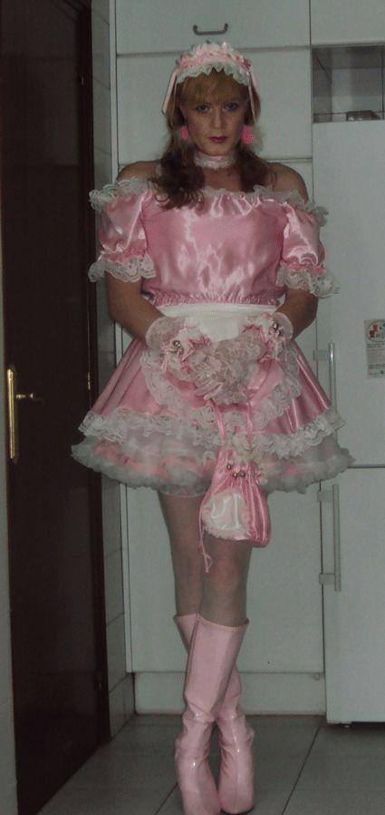 transvestite maid shop