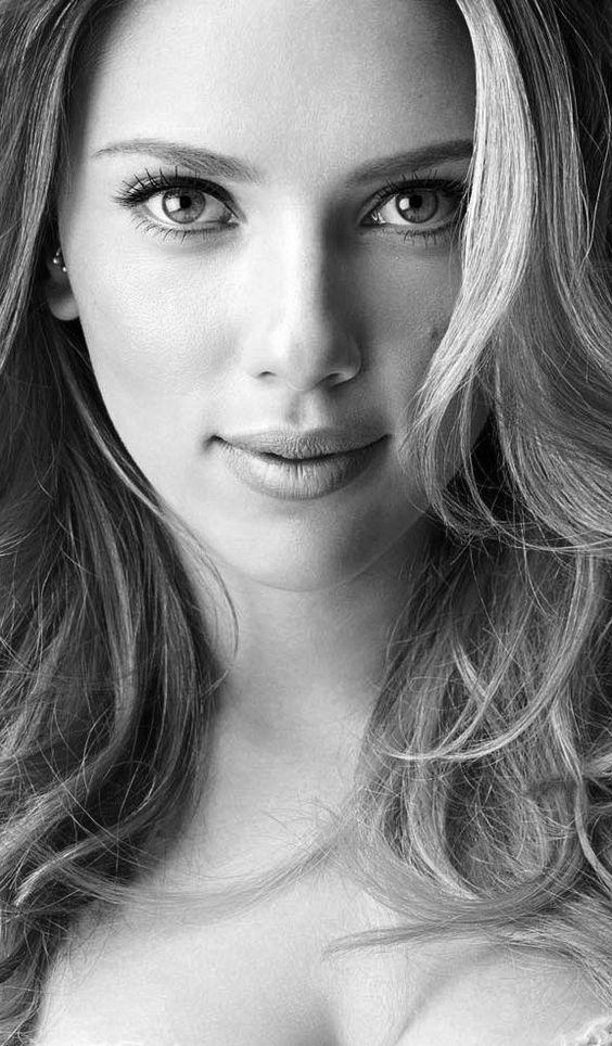 A atriz Scarlett Johansson. 10 atuações femininas em filmes do Woody Allen. Análises do cinema em todos os seus âmbitos. Um olhar desde os clássicos até o que há de mais atual e pipoca na sétima arte. Críticas, listas e artigos especiais de filmes todos os dias. Os melhores filmes. #filme #filmes #clássico #cinema #ator #atriz