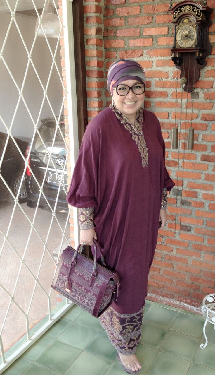 With SALIRA Bowling Bag & BOGOR Wedges in vintage Tenun Maumere by PRibuMI...®