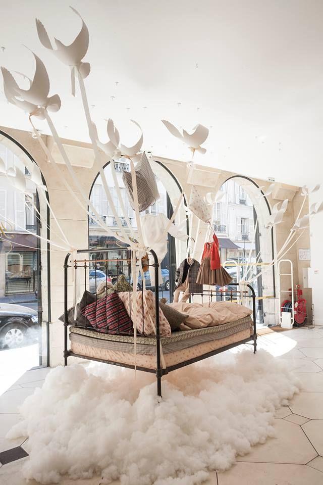 Bonpoint, rue de Tournon, Paris - Lit Volant http://media-cache-ak0.pinimg.com/originals/29/1e/43/291e43bdd4e6e1cb18a73647d158c874.jpg